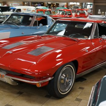 Top 5 Classic Cars That Never Get Old
